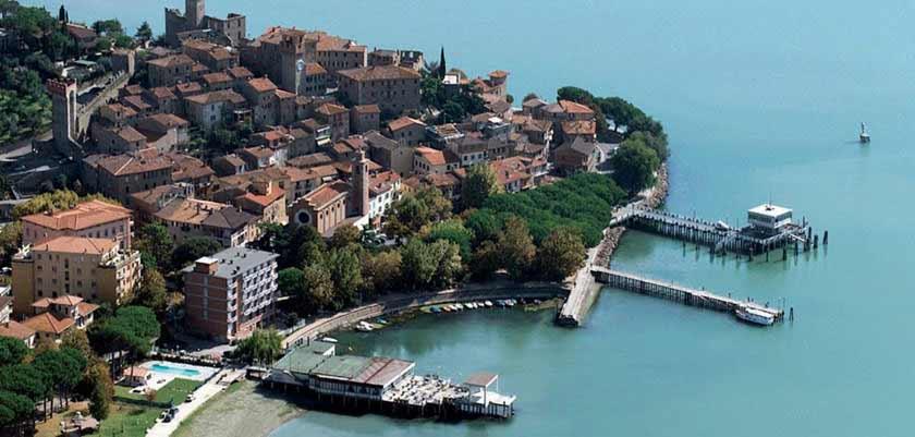 Hotel Lido, Lake Trasimeno, Italy - Panoramic View.jpg